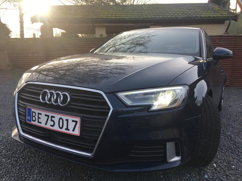 Sort Audi A3 forfra