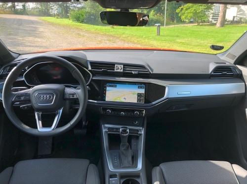 Audi Q3´s interiør er enkelt og intuitivt