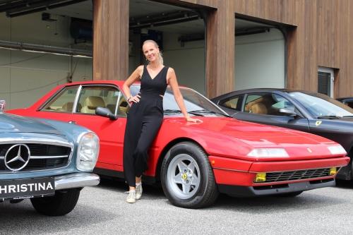 Christina Hembo og hendes Ferrari