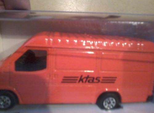 En modelbil af den klassiske KTAS servicevogn fra 90´erne