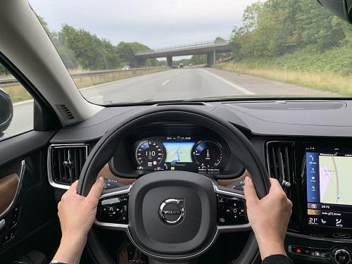 Motorvejskørsel i V90