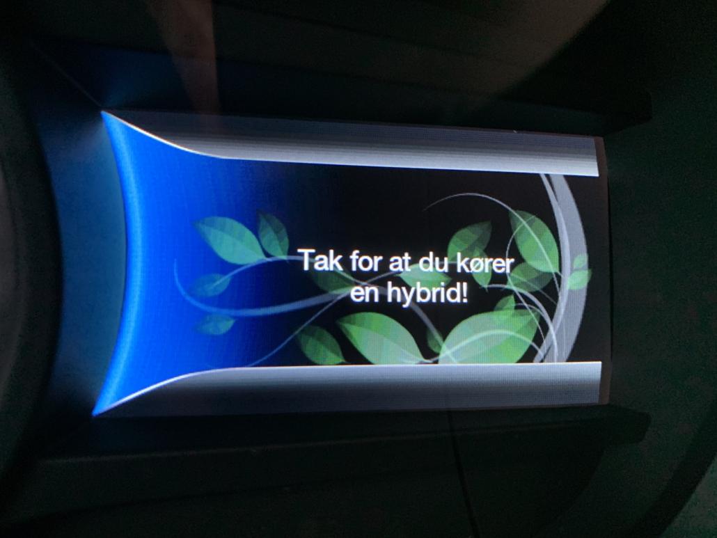 Beskeden du får når du slukker bilen 'Tak fordi at du kører en hybrid'