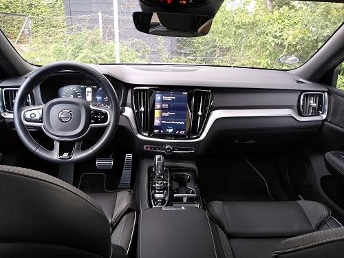 Volvo V60 R-Design kabine