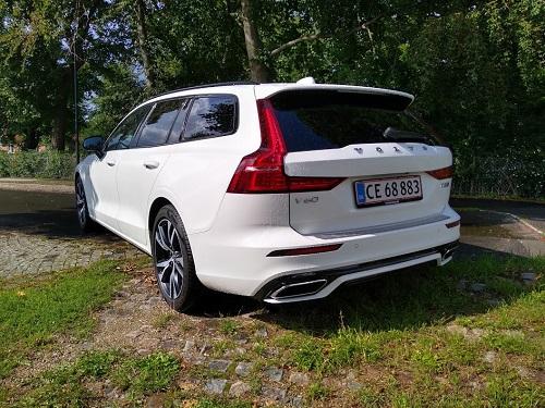 Volvo V60 R-Design skrå vinkel bagfra