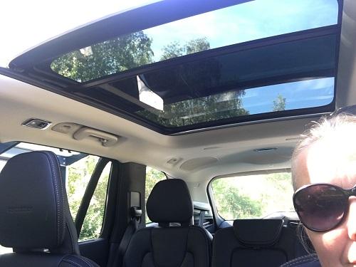 Volvo XC90 soltag i glas