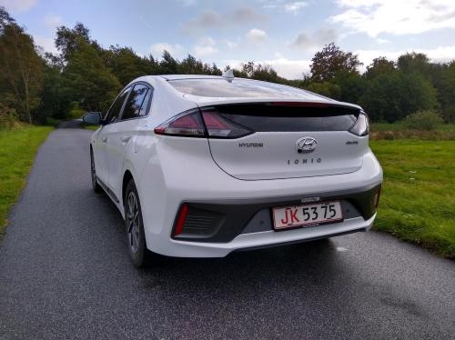 Hyundai Ioniq bagende