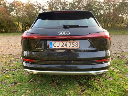 Audi e-tron bagfra