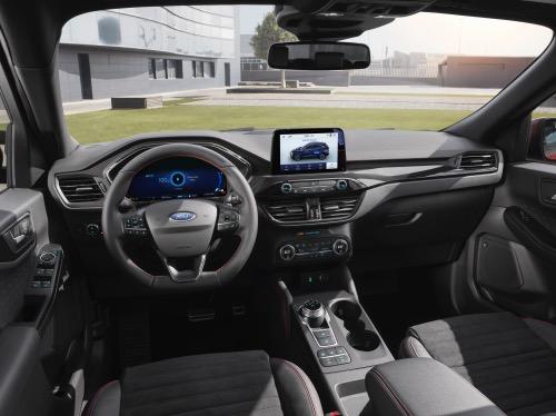 Ford Kuga PHEV kabine
