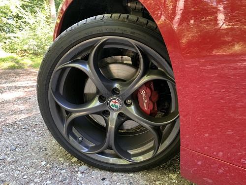 Alfa Romeo alufælge med runde ringe