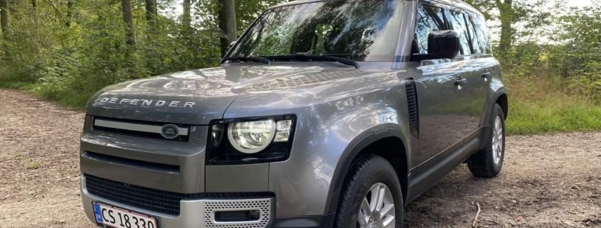 Land Rover Defender set fra fronten