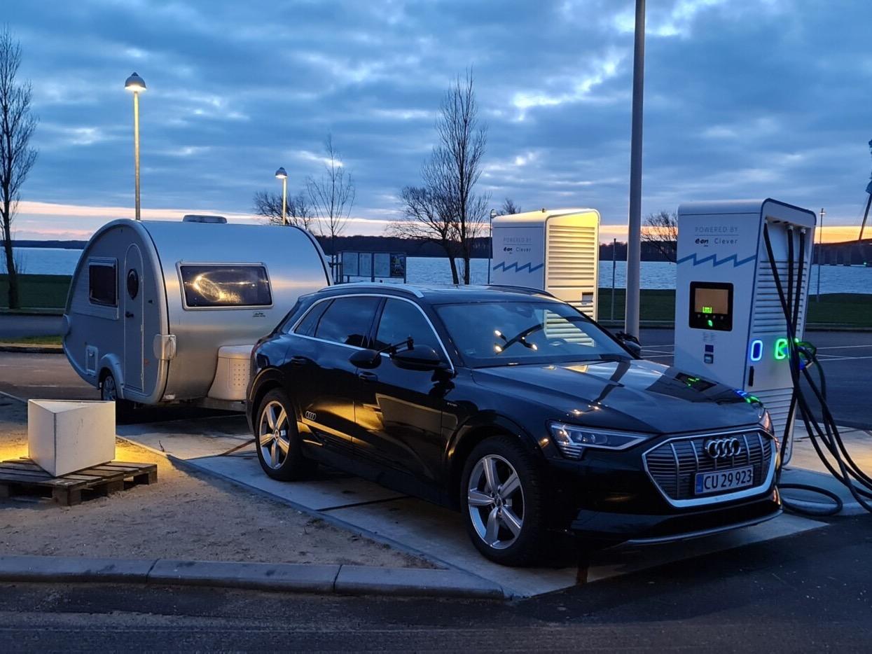 elbil med campingvogn