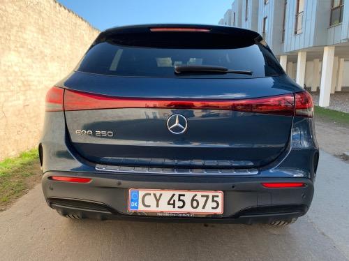 Mercedes EQA bagende